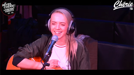 "Madilyn Bailey répond à l'interview ""Sans Tabou"""